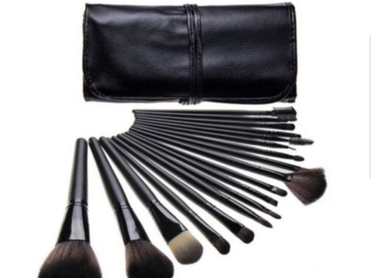 kit pennelli make-up